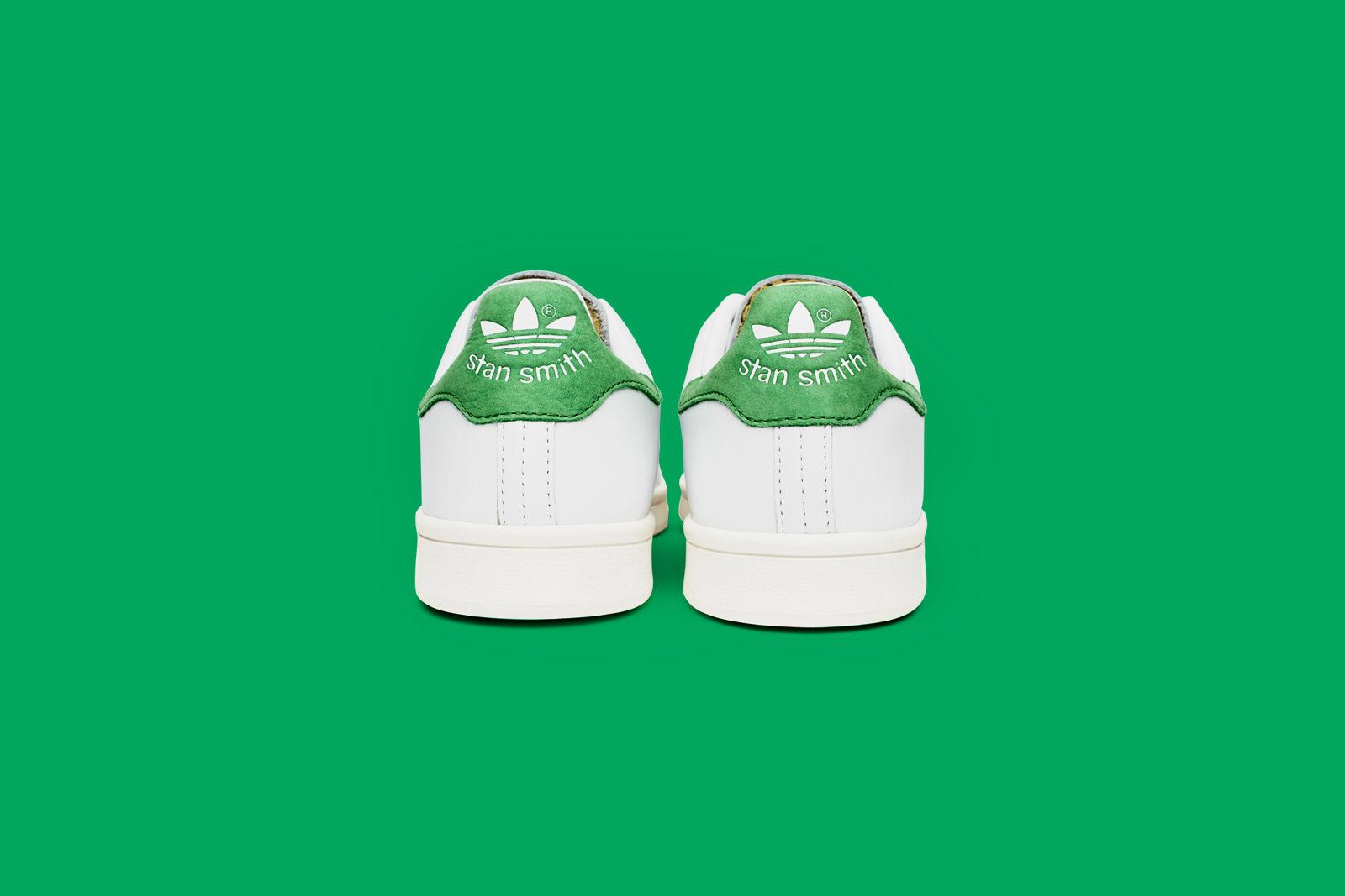 stan smith verte chaussures basket fond vert vintage