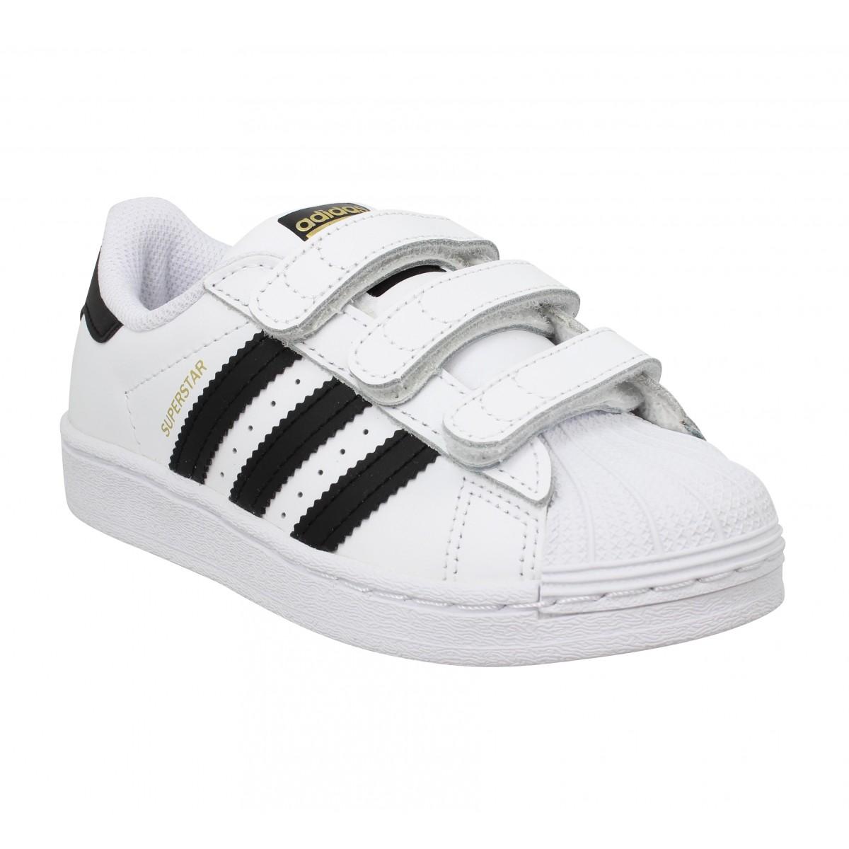 Baskets ADIDAS Superstar EF4838 cuir Enfant Blanc Noir