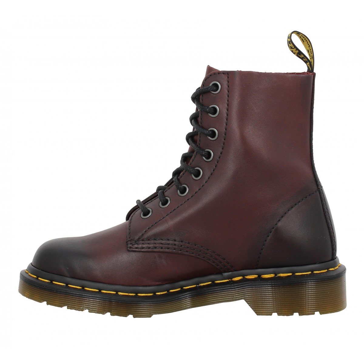 dr martens pascal cherry femme rouge femme fanny chaussures. Black Bedroom Furniture Sets. Home Design Ideas