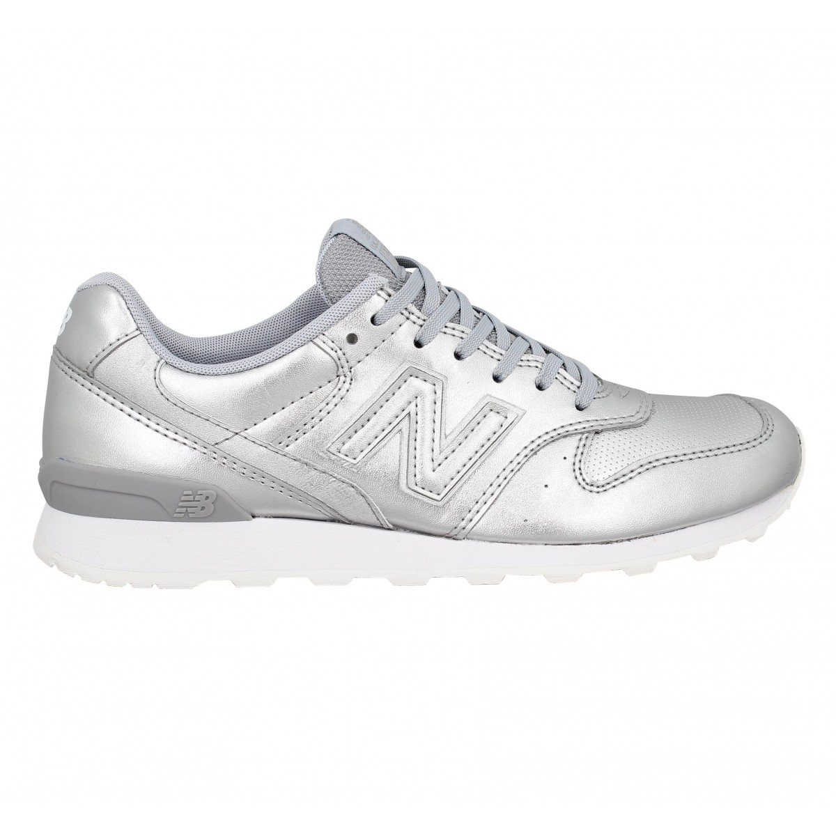 basket new balance fille argente